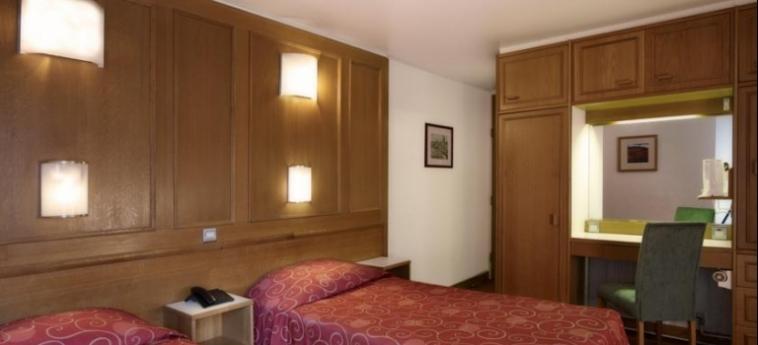 Hotel St Giles London - St Giles Classic: Twin Room LONDON
