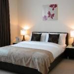 Minc Board Walk Apartments - Canary Wharf E14
