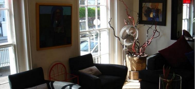 Hotel La Reserve: Hall LONDRES