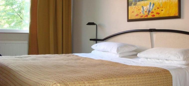 Hotel La Reserve: Standard Room LONDRES