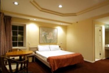 Hotel Wilshire Crest: Bedroom LOS ANGELES (CA)