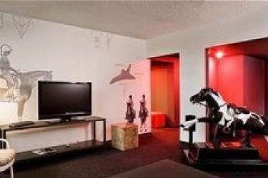 Custom Hotel: Zimmer Suite LOS ANGELES INTL APT (CA)