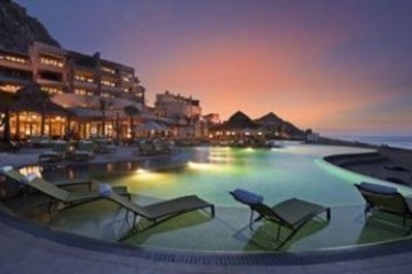 Hotel The Resort At Pedregal: Swimming Pool LOS CABOS