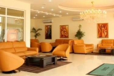 Hotel Horizonte Novo: Lobby LUANDA