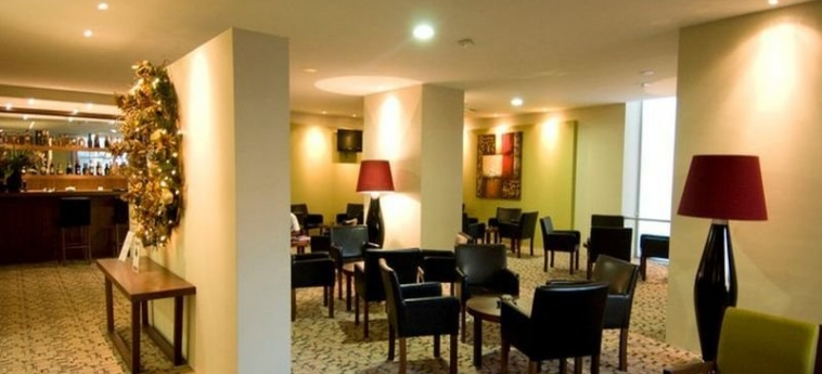 Skyna Hotels: Bar LUANDA