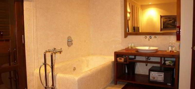 Ancient Luang Prabang Hotel Banphongheuang: Bedroom LUANG PRABANG