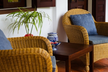 Hotel Villa Maydou: Terraza / Patio  LUANG PRABANG