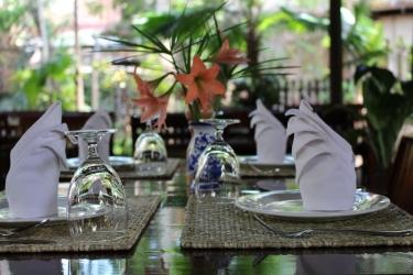 Hotel Villa Maydou: Restaurant LUANG PRABANG