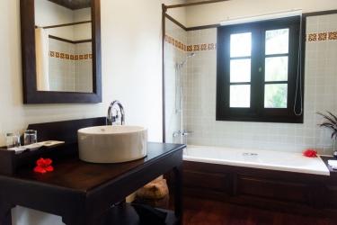 Hotel Villa Maydou: Badezimmer LUANG PRABANG