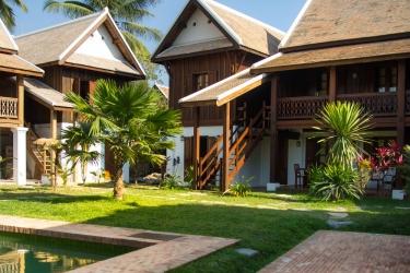 Hotel Villa Maydou: Schwimmbad LUANG PRABANG