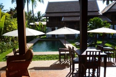 Hotel Villa Maydou: Outdoor pool LUANG PRABANG