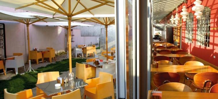 Hostel Celica: Comedor al aire libre LUBIANA