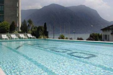 Hotel Cassarate Lago: Outdoor Swimmingpool LUGANO