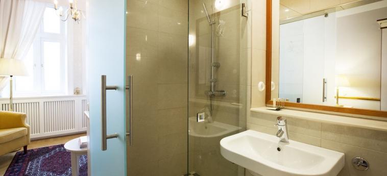 Grand Hotel - Lund: Badezimmer LUND