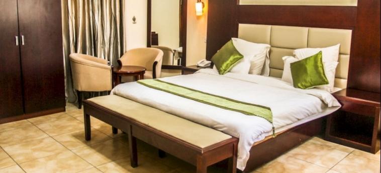 Chamba Valley Exotic Hotel: Eglise LUSAKA