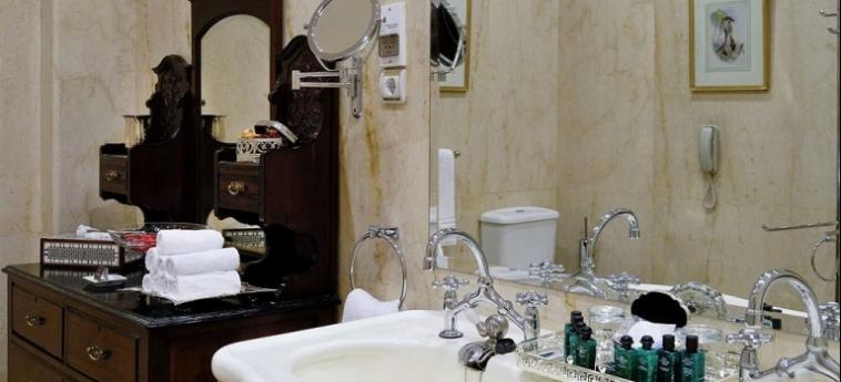 Hotel Pavillon Winter Luxor: Indoor Bar LUXOR