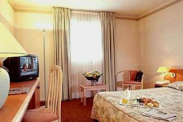 Hotel Mercure Lyon Charpennes: Schlafzimmer LYON