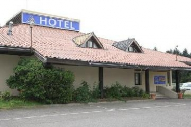 Hotel Akena City: Pista de Tenis LYON