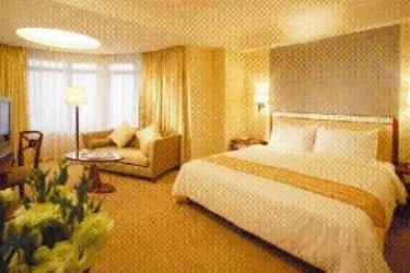 Hotel Golden Dragon: Guest Room MACAO