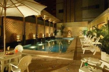 Hotel Golden Dragon: Piscina MACAO