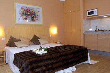 Hotel Apartamento Da Sé: Guest Room MADEIRA