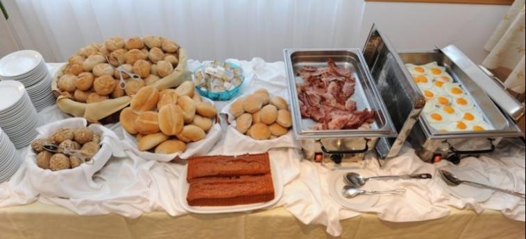 Hotel Dorisol Estrelicia: Buffet MADERE