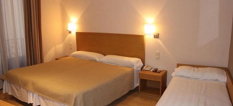 Hotel Regente: Dreibettzimmer MADRID