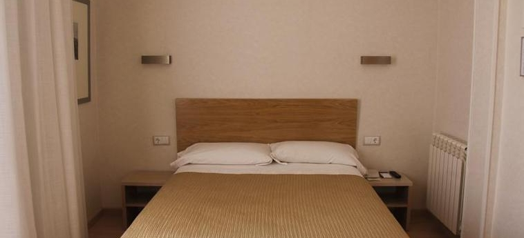 Hotel Regente: Schlafzimmer MADRID