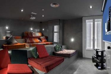 Hotel Safestay Madrid: Außen MADRID