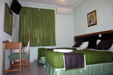 Hotel Hostal Chelo: Bedroom MADRID