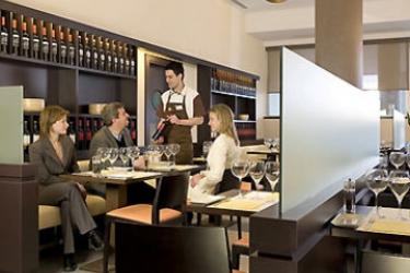 Hotel Ibis Madrid Aeropuerto: Restaurante MADRID