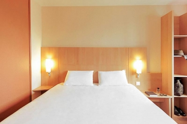 Hotel Ibis Madrid Aeropuerto: Schlafzimmer MADRID