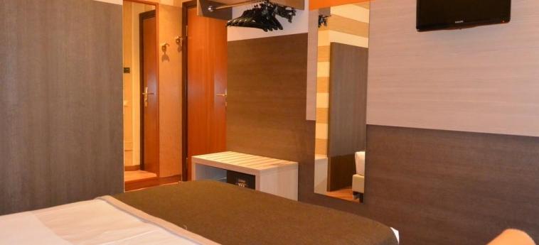 Hotel Metrò: Gastzimmer Blick MAILAND