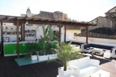Oasis Backpackers' Hostel Malaga: Bungalow MALAGA - COSTA DEL SOL