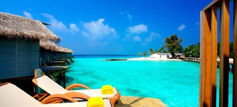 Hotel Centara Ras Fushi Resort & Spa Maldives: Terraza MALDIVAS
