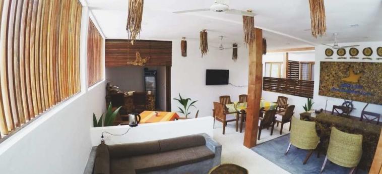 Dhiffushi White Sand Beach Hotel: Balcony MALDIVAS