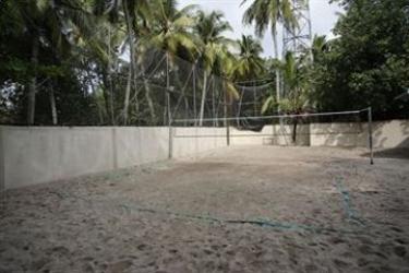 Hotel Gangehi Island Resort: Außen Restaurant MALDIVEN