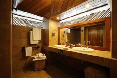 Hotel Gangehi Island Resort: Außenschwimmbad MALDIVEN