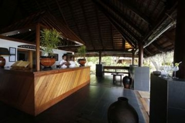 Hotel Gangehi Island Resort: Hotellage MALDIVEN