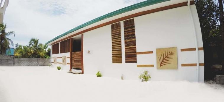 Dhiffushi White Sand Beach Hotel: Chambre Grand Deluxe MALDIVES