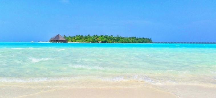 Dhiffushi White Sand Beach Hotel: Chambre Suite MALDIVES