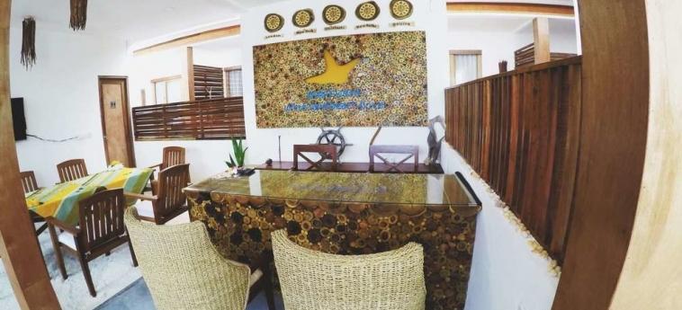 Dhiffushi White Sand Beach Hotel: Salle de Petit Déjeuner MALDIVES