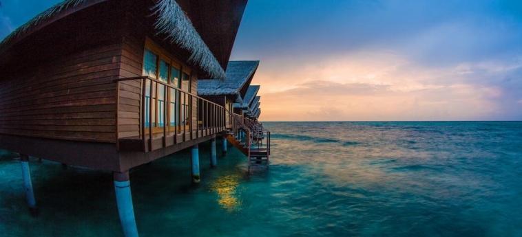 Hotel Adaaran Select Hudhuranfushi: Detail MALDIVES