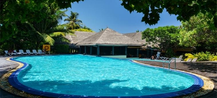 Hotel Adaaran Select Hudhuranfushi: Piscine chauffée MALDIVES