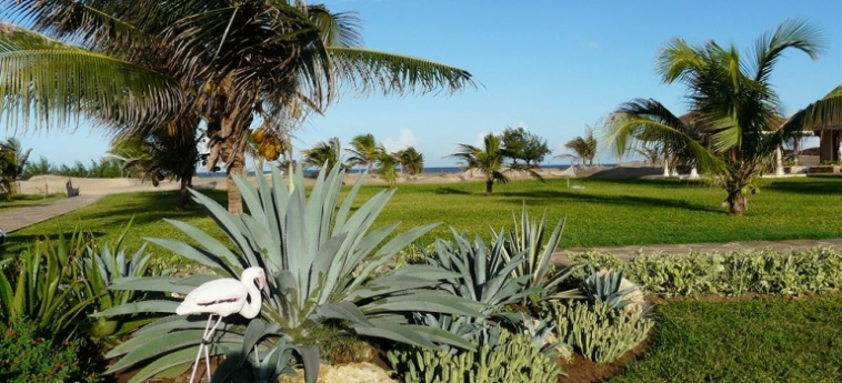 Hotel Ocean Beach Resort & Spa: View of skyline MALINDI