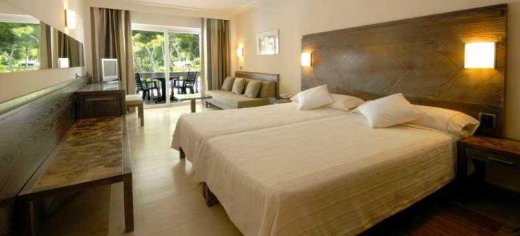 Hotel Beach Club Font De Sa Cala: Schlafzimmer MALLORCA - BALEARISCHEN INSELN