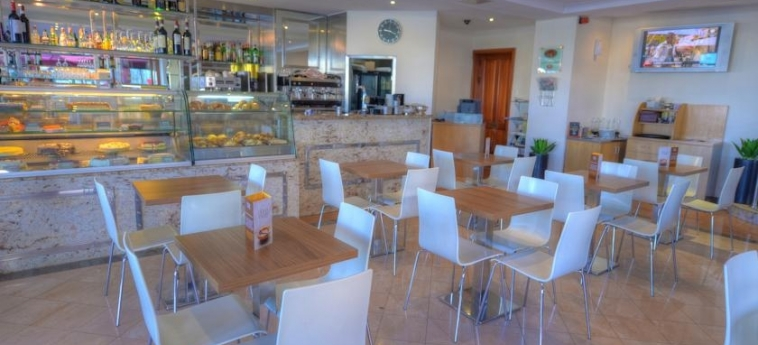 Hotel The Plaza & The Plaza Regency: Caffetteria MALTA