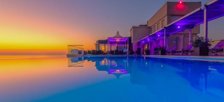 Hotel Ax The Palace: Piscine chauffée MALTE