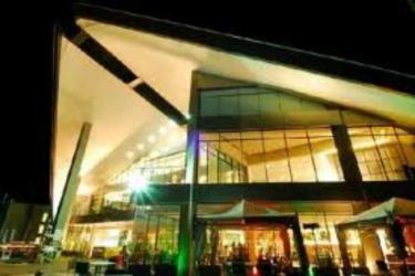 Hotel Novotel Manado Golf Resort And Conv Ctr: Außen MANADO