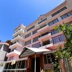 OYO 13586 HOTEL MONARCH 3 Stars